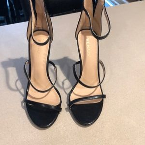 Black sandals size 7 1/2